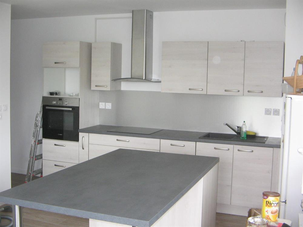 pose de cuisine ixina. Black Bedroom Furniture Sets. Home Design Ideas