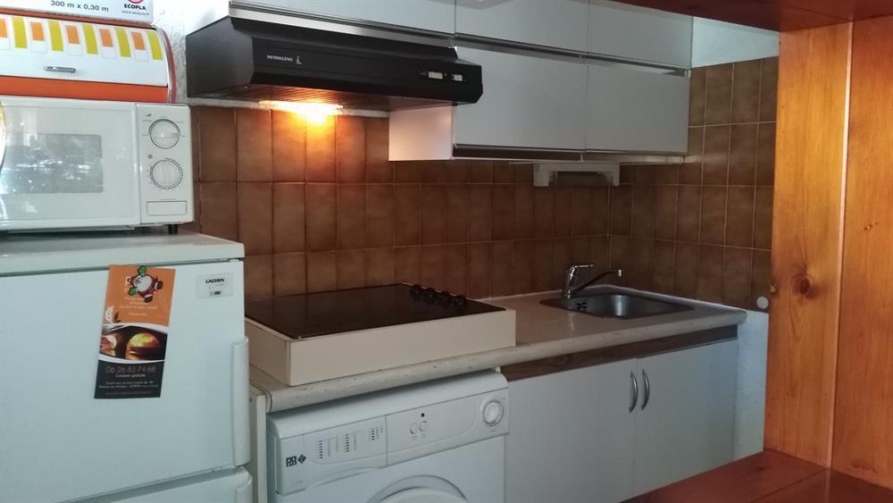 studio loggia fermee port de bormes les mimosas vue le lavandou vd 148. Black Bedroom Furniture Sets. Home Design Ideas