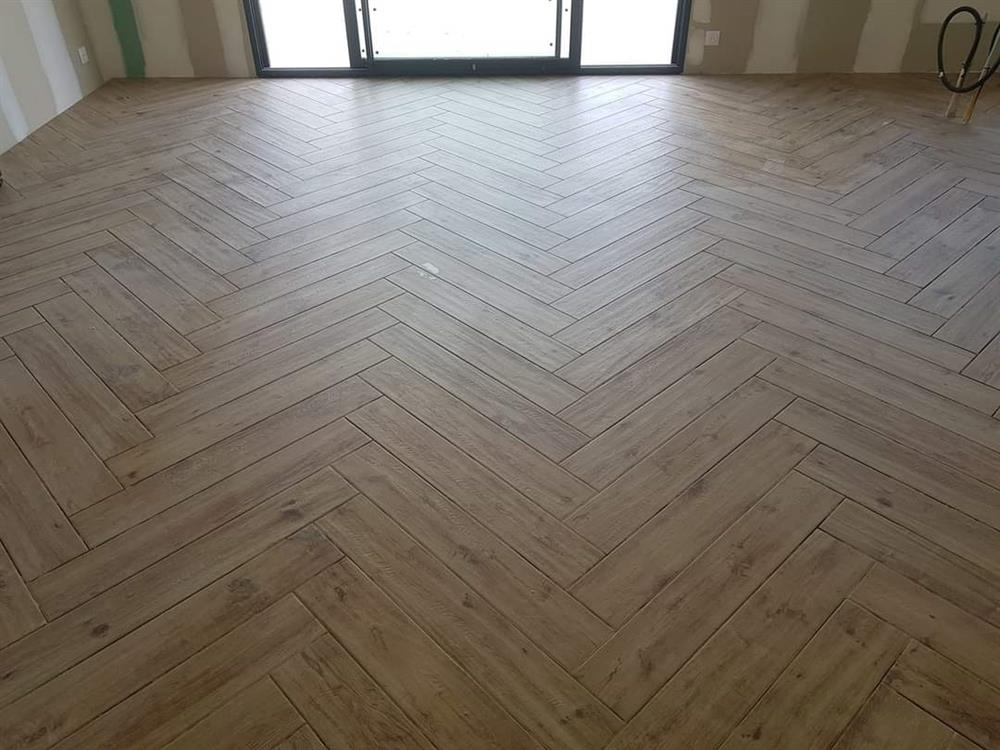 carrelage 20x75 en pose chevron